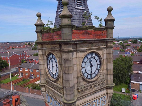 Ogden's Imperial Tobacco Office Building, Clock Faces